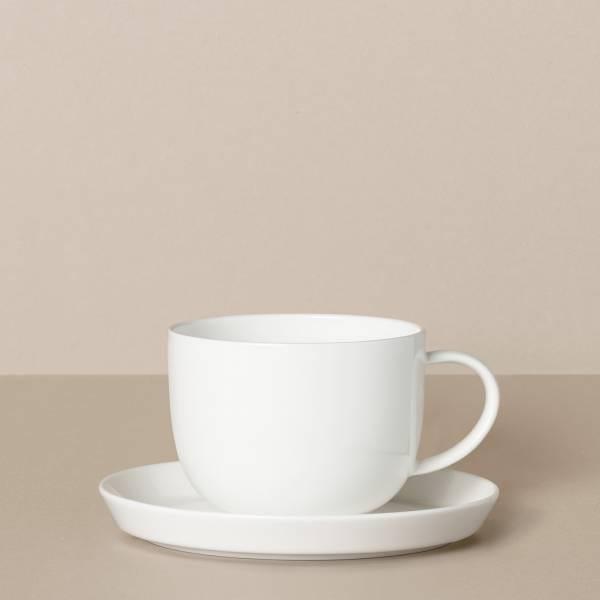 Tasse mit Untertasse in Weiß