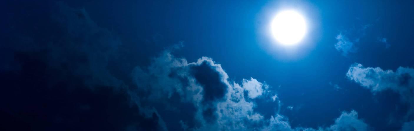 Moons – Wandelbares Windlicht